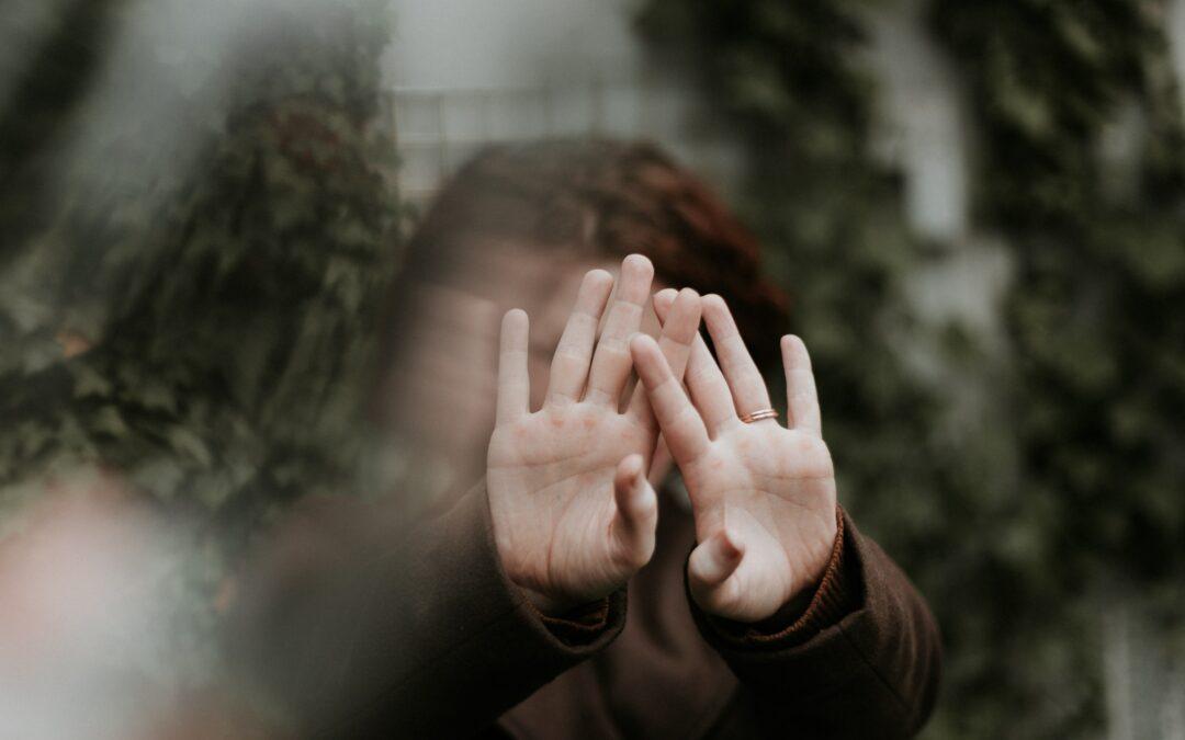 Mijn partner en kind spreken niet meer met elkaar – over omgaan met je positie als insider-ouder